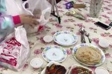 中国小伙在埃及生活的第五年,娶妻生子,习惯当地饮食
