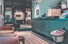 咖啡日记|槟城乔治镇复古风白色星巴克