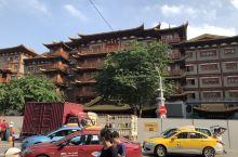 北京路步行街上的大佛寺,庄严肃穆,金碧辉煌,真不愧为广东省文物保护古迹!