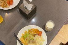 酒店位置好,早餐非常丰盛,麗枫是高端品牌,推荐入住。正好出差攀钢,方便公务,好评!