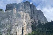 恩施大峡谷旅游景区位于湘、渝、鄂三省交界处,是清江流域最美丽的一段,被专家赞誉可与美国科罗拉多大峡谷