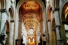 牛津基督学院里的主座教堂,1525年由红衣主教沃尔西创建,内战时曾作为查理一世的临时首都,基督教堂学