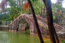 宁城公园是由牛山、猫山下、东湖、西湖和南湖组成,人工湖建成距今已经有50多年,有台山小西湖之称,双亭