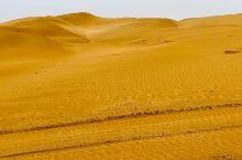 库布齐沙漠的响沙湾