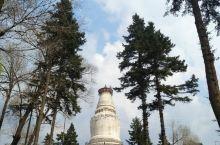 塔院寺在整个五台山当中是非常知名的一个寺庙,大家站在远处很远就能够看到一个白塔,那证明这里就是塔院寺