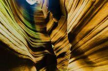 大自然的鬼斧神工-雨岔大峡谷