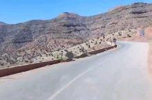 穿行在摩洛哥的领土上