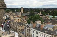 爬上塔俯瞰牛津