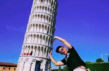 意大利的比萨斜塔 是世界的七大奇迹之一