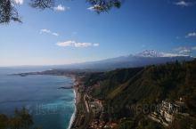 陶尔米纳市民公园,这里也是观赏火山加海岸线的一个好去处!