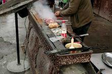 正宗的新疆羊肉串,嗞嗞嗞……