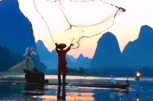 桂林渔歌唱晚,看渔翁撒网啦~