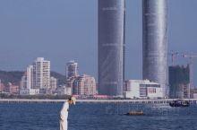 厦门拍照|鼓浪屿超赞机位,海边双子塔合影  鼓浪屿算是来厦门的必打卡目的地,但是避开人群,发现小众的