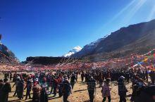 今天是藏历四月(萨嘎达瓦)十五日,是这一年最重要的日子,是佛祖释迦毛尼投胎、圆满成佛、圆寂的伟大时刻