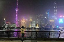 上海这座国际化大都市大都市真的很美,迪士尼、东方明珠塔、金茂大厦、外滩、 城隍庙、黄浦江游轮、南京路