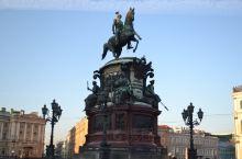 俄罗斯随手拍系列17-尼古拉一世纪念碑  尼古拉一世纪念铜像 位于圣彼得堡市伊萨基辅广场,始建于18