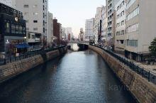 去年冬天去的日本白川乡,今年哪儿都去不了了,只好把过去的旅行照片翻出来品味品味。我们名古屋进出,然后