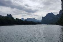 桂林山水甲天下之漓江精华游--舟行水上,人入画中。