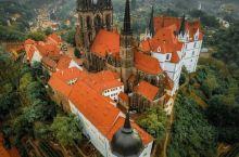建造了200多年的教堂,就藏在这座小镇上