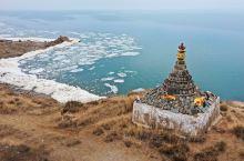 """粉红湖结束,寻找到青海湖的小众景点——青海湖断崖,导航""""达秀木拉布宰""""穿过青藏铁路,沿沙石路向青海湖"""