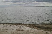 乌云压境的西台吉乃尔湖