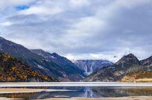然乌湖的秋色一角