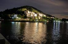 夏日海盐南北湖的夜景,湖水轻抚,日光明亮