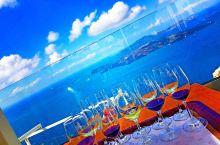 在爱琴海上被蓝光照耀灿烂