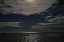 海上生明月,天涯共此时
