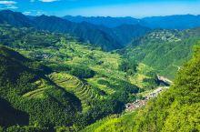 在浙江就有这样一个小众避暑胜地,虽是一座小城,但你能想到的所有与避暑胜地有关的自然资源,这里全都有:
