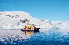 南极峡湾的壮美景色