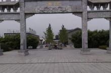 安徽金孔雀温泉度假村,位于安徽省合肥市庐江县汤池镇外经大道。有药膳浴、名酒浴、SPA疗养馆、漂流河、
