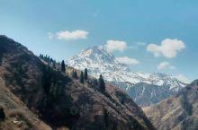 天山山脉。