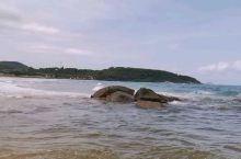 海南日月湾踏浪