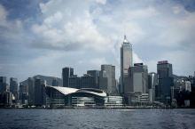 突然翻到相册里的老照片,回味一下之前美丽的香港。不经意经历了一阵混乱,措不及防的疫情,时光匆匆,当年