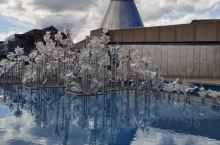 玻璃博物馆最大看点是现场玻璃产品制作。另外周边景色也有特点。