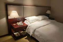 第一次来乌兰察布博源蓝海御华大饭店,感觉非常不错,房间整洁,伙食也不错,服务员的服务很到位,总得来说