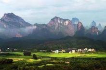 """丹霞是一种独特的地貌,可表述为""""以陡崖坡为特征的红层地貌""""。我国前后几代地质学家:冯景兰、陈国达、曾"""