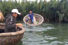 越南岘港伽南岛,当地鱼民表演水上芭蕾……  岘港·越南