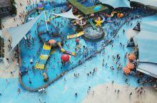 夏日避暑,就来横店梦幻谷景区,是一个具有很强的互动参与性,各种水乐园的游乐场,可以观看暴雨山洪自然现