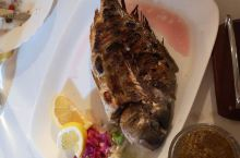 巴尔干之行 抵达索非亚的晚餐,特色烤鱼