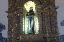"""🍀 萨尔瓦多素有""""教堂城""""之称。  民间更有流传""""一年有多少天,巴伊亚就有多少教堂""""的说法。这当然是"""