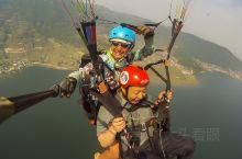 尼泊尔玩滑翔伞