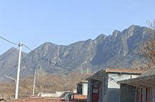 远眺大山,雄伟壮观。