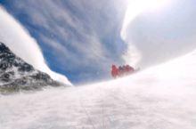 所有登山者的噩梦 雪崩