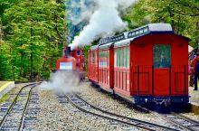 阿根廷的乌斯怀亚,是大陆最南端的城市,世界的尽头。在南纬54°47′、西经68°20′,小火车,火地