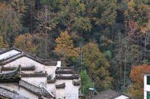 万二村,一个遁入深山的村落,有皖南布达拉之称。凌乱中隐含着历史的节奏,行走其间,感受岁月的流动。