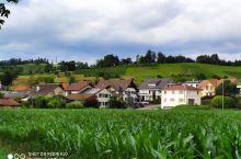 瑞士巴塞尔美丽的小山村