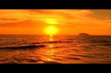 丹绒亚路海滩无疑是最受欢迎的标志性地点