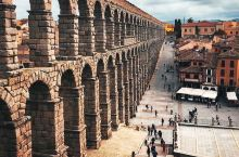 一座关于古罗马史诗与猪的古城